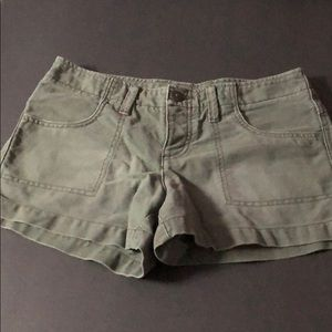 American Eagle army low shorts